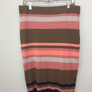 Dresses & Skirts - Stripped Knee Knit Skirt!